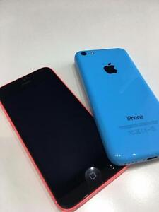 iPhone 5C 8/16 GB - BELL & ROGERS- Mint Condition