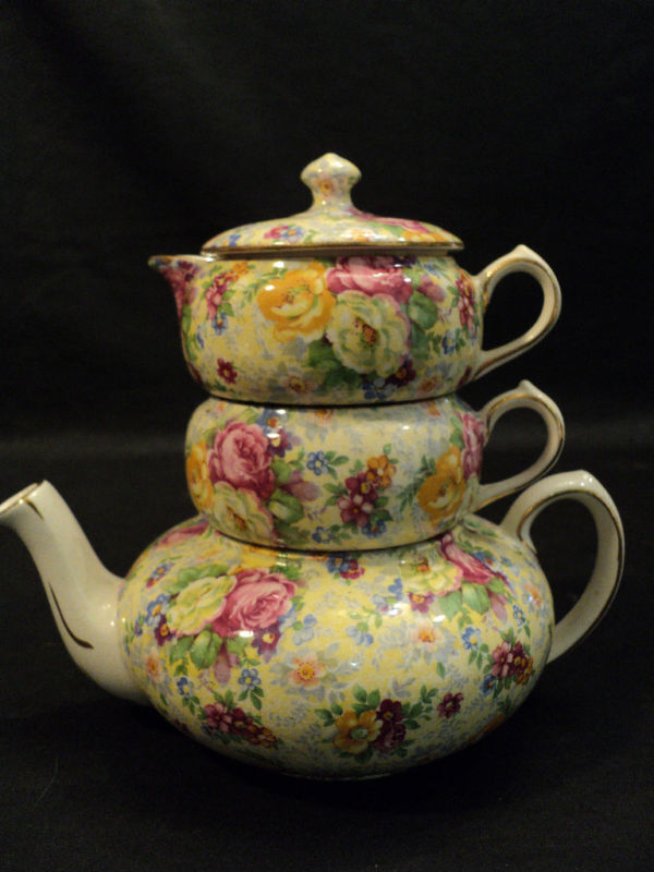 """GORGEOUS LORD NELSON """"ROSE TIME"""" CHINTZ TEA FOR ONE SET"""