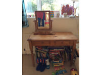 Desk / dressing table with mirror