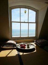 Fantastic seafront seaview brunswick 2-3 bedroom top floor furnished flat available 3 months +Bills