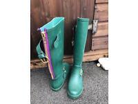 Ladies size 7 Steve Madden Wellington boots