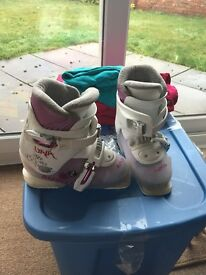 Girls ski boots size 11.5