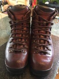 Scarpa goretex walking boots size 8