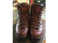 Scarpa goretex walking boots size 8