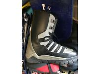 Snowboard boots UK 8 barely worn