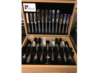 Cutlery set in case