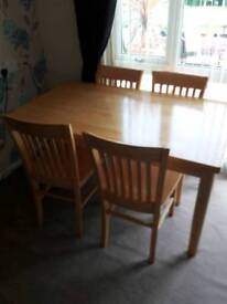 Beech Dinning table and 4 chairs in exelent condition