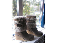 Lovely Wedge Heel Boots Size 6(only worn twice like new)