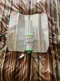 Hydroponics LED light bulb with shade