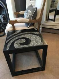 Chic coffee/side table/bedside
