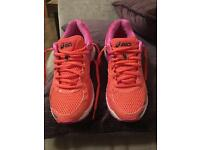 Ladies Asics GT-2000 trainers, size 4