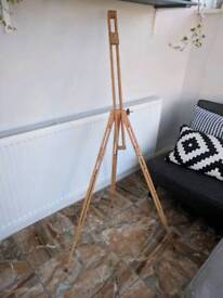 Floor standing wooden easel