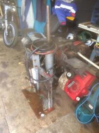Tire fitting machine garage equipment