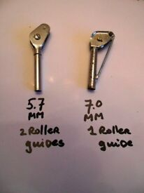 2 boat tip guides roller type