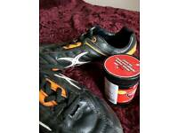 LEATHER FOOTBALL BOOTS SIZE 7 WITH KEY REPLACE STUDS