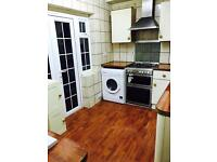 Double room to rent. Clean, Furnished, bills and weekly cleaner included