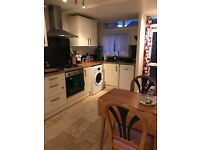 GROUND FLOOR FLAT, WITH 2 BEDROOMS, shed and front yard nr Kings Rd