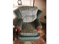 Traditional 3 piece suite Green in good condition