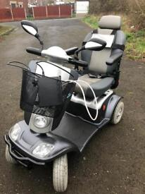 KYMCO MAXI XLS LARGE HEAVY DUTY 8-MPH MOBILITY SCOOTER