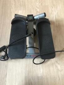 Stepper with stretch arm bands