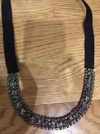 'S Max Mara necklace/belt