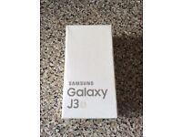 Samsung Galaxy J3 in gold