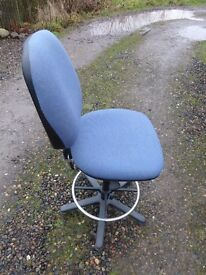 Architect/Draughtsman Chair very good condition, blue colour. Ideal for student.