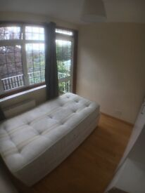 CHEAP SINGLE WITH PVT BALCONY IN LOVELY VILLA