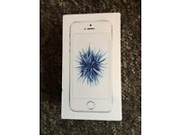 iPhone SE 16gb (11 MONTHS APPLE WARRANTY)