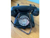 Bakelite working phone(s)