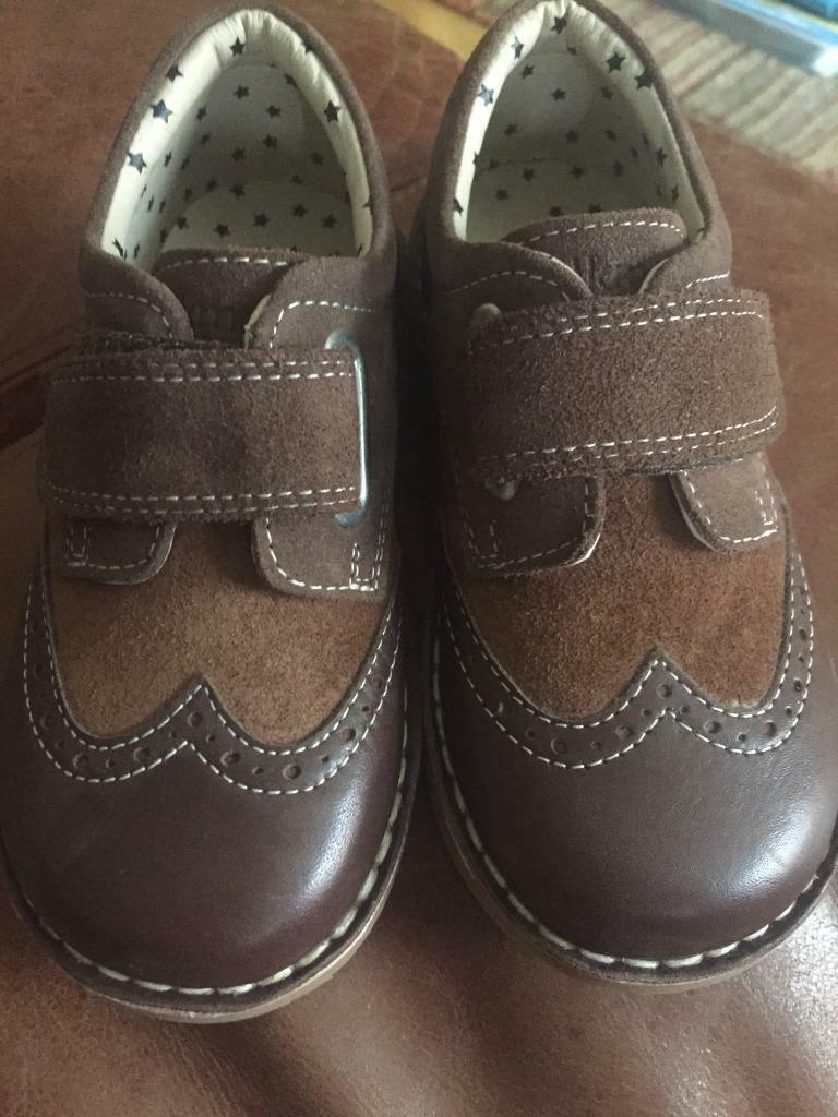 ab4a38e79c9 Brand new M S boys leather walkmates brogue shoes infant size 9 ( marks and  Spencer s )