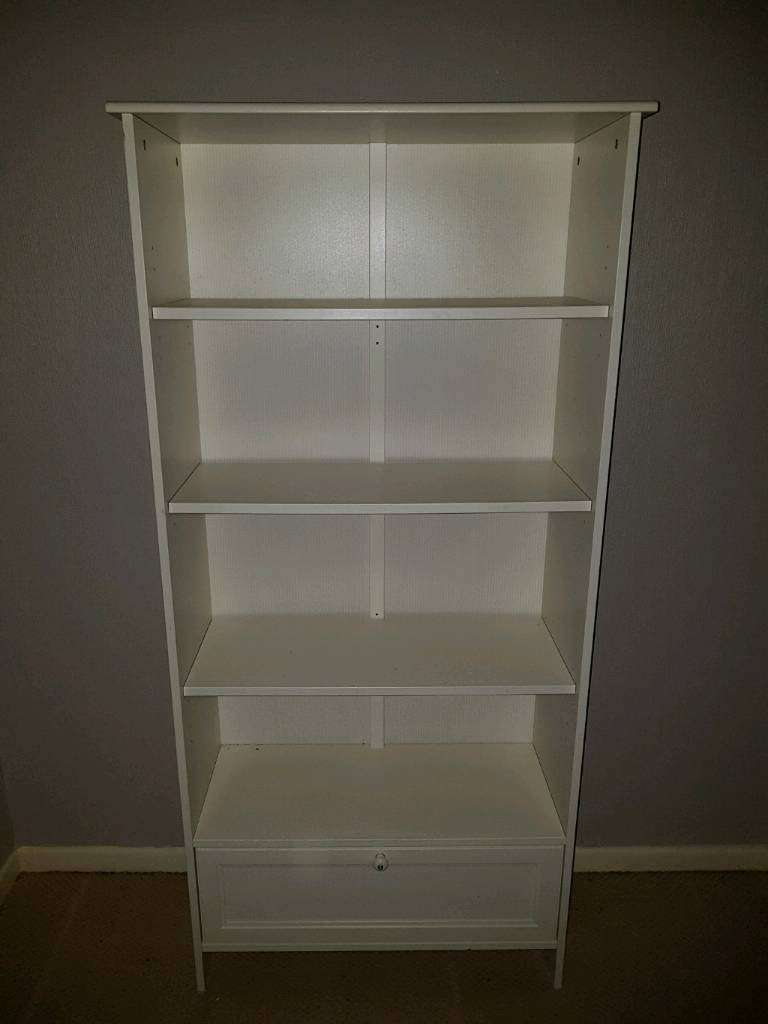 white bookcase for bedroom