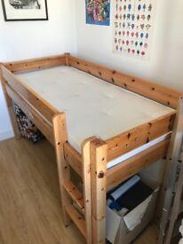 Children's single cabin bed & mattress