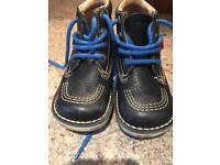 Kicker boots size 27