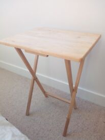 Tidy foldable bed side table