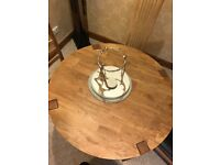 Oak table and 4 Oakland leather chairs