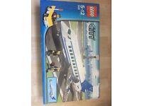 Lego 3181 passenger plane. Brand new set retired.