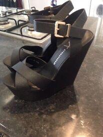Ladies size 5 black wedges brand new