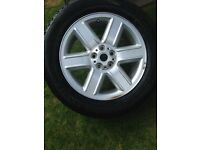 Brand new Land Rover Alloy with brand new tyre