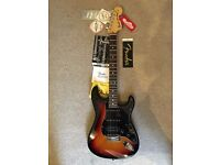 USA Fender American Stratocaster 70's headstock WITH CASE