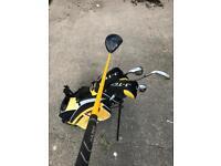 junior golf club set with bag and balls