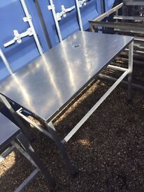 CATERING EQUIPMENT TO CLEAR