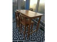 Bar table + chairs