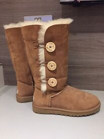Women's Authentic Ugg Bailey Button Boots size 4.5