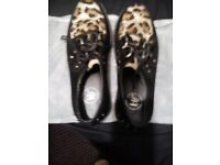 Ladies creeper style shoes size 5.