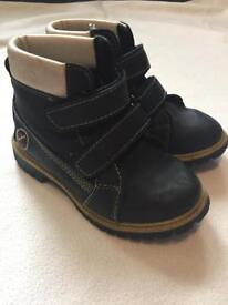 HECEMON KIDS BOY/GIRL SHOES BOOTS SIZE31 VGC