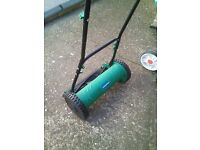 gardenline push along lawnmower, in new condition,