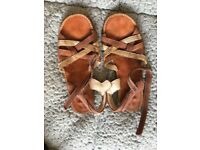Girls Clarks Sandals excellent condition size uk 2 £3.50