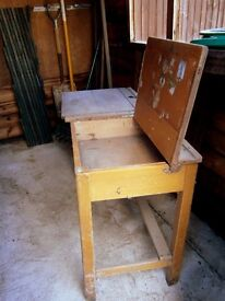 School desk - Traditional wooden 1950s double school desk. In sound condition.