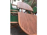 REDUCED 6 seater lovely near new outdoor dining set extendable